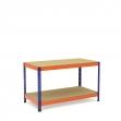 Mesa de trabajo azul y naranja con 2 bandejas de aglomerado