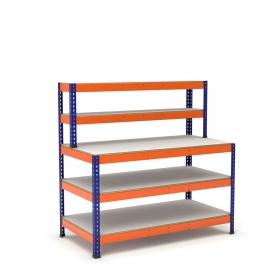 Mesa de trabajo azul y naranja con repisa y 3 bandejas de melamina sin cantear