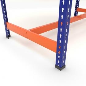Mesa de trabajo con reposapiés azul y naranja - Detalle