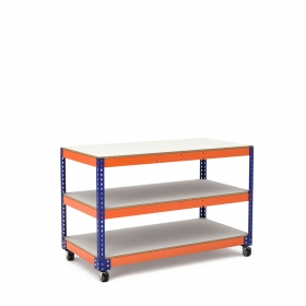 Mesa de trabajo con ruedas azul y naranja con 3 baldas de melamina sin cantear